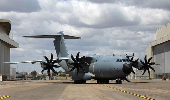西班牙欲用A-400M运输机交换韩国T-50教练机