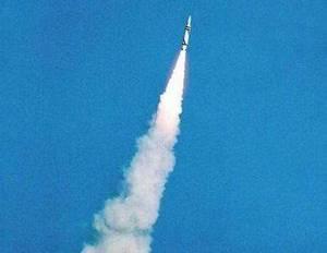 美媒:中国首次试射巨浪3型潜射导弹射程或超9000公里