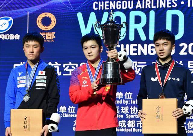 樊振东决赛4-2逆转日本小将张本智和,最终成功卫冕。