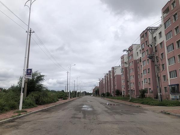 某低价房源小区 本文图片均为 澎湃新闻记者 张成杰 图