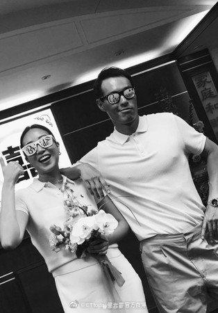 杨祐宁和妻子