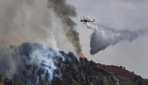 火灾已经在加州排放了大约2170万吨碳。图:CNN