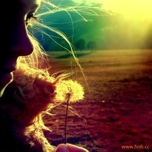 风吹散过往云烟你我终不是同路人。
