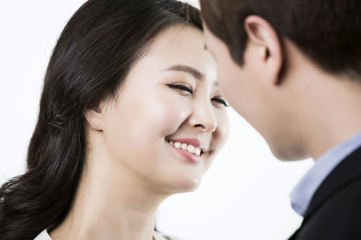 内向男生暗恋女生的10个表现,让你从内心不想伤害他